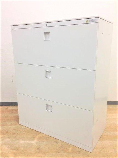 【8台入荷】オカムラ製レクトライン人気のホワイトカラーカウンターとしての代用も可能な天板付き