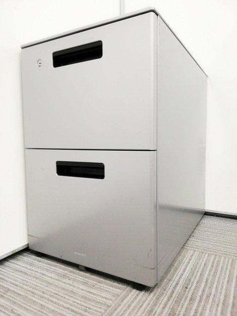 A4ファイルを沢山収納するならコレ!机の下に入るキャスター付きサイドキャビネット!