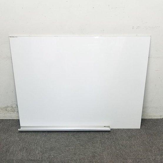 【2台入荷】壁掛けホワイトボード|ハイセンスなオフィス空間にも調和する、スタイリッシュなホワイトボード☆ 中古家具 リサイクル