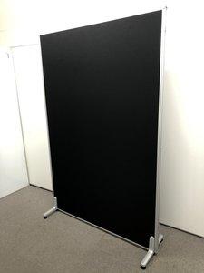 【限定1台】【レア!お勧めです!】【目隠し用にいかがでしょうか!】ブラックの1枚パーテーション