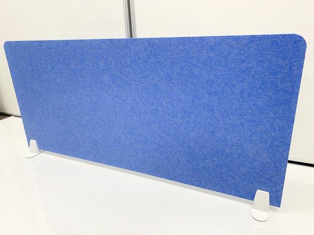 【置くだけで簡単!】デスクトップ上に置くパネル【さわやかなブルーがオフィスを引き締めます】