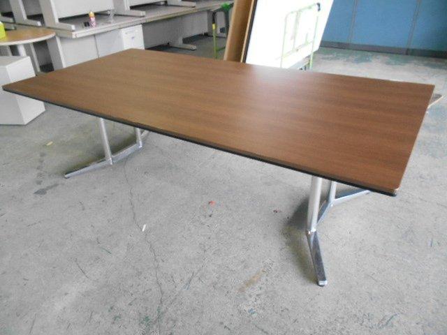 【1台のみ】W2400テーブル|6名~8名用|木目調の天板がおしゃれ|オカムラ(okamura)ラティオⅡシリーズ【関西倉庫在庫品】