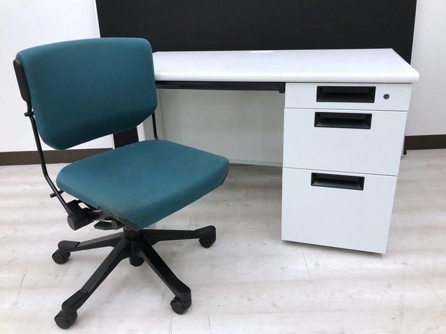 【ローコストセット!】 独特なデザインのチェアであなただけのオフィスを! カギ作製サービス有ります。