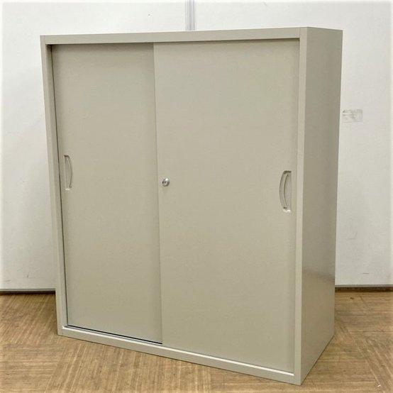 【未使用新品です】扉の開閉スペースが不要なスチール引違書庫
