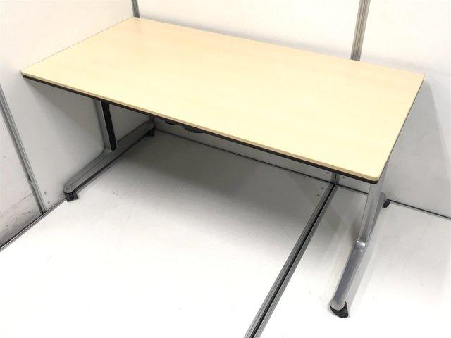 【使いやすいサイドスタックテーブル入荷!】キャスター付き・折り畳み可能でどんなシーンでも!