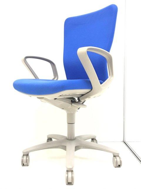 【定番人気商品入荷!!】オフィスに合わせやすいブルーカラー!スタンダードなモデルでどんなオフィスにも!