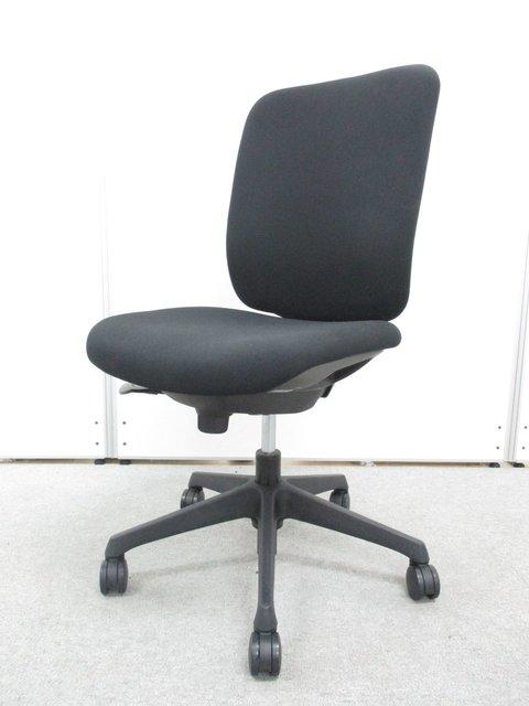【10脚ロット入荷】■オカムラ製 CG-Rチェアどんなオフィスにもマッチするブラックカラー!