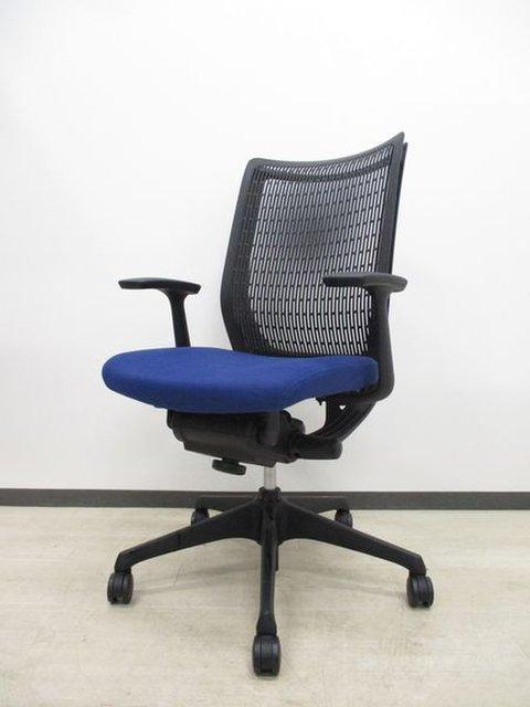 【格安!肘付ハイバックチェア】なんと国内メーカー!オカムラの椅子!