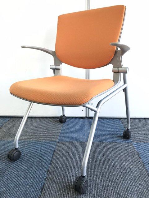 【会議のお供に】オフィスに彩りを与えるオレンジカラー