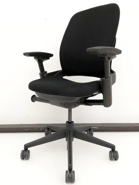 【あと5脚】至高のチェア登場◆リープチェアV2タイプ(Leap Chair)【スチールケース製】