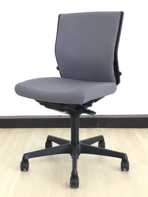 【座面に毛羽立ちありのため特価!】でも座り心地は変わりません! ミドルクラスチェアの中では非常に人気のシリーズ! 【J】