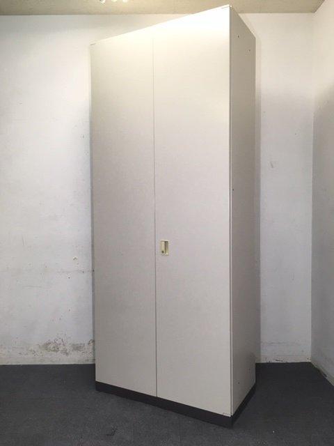 【12月納品までの限定価格】【1台入荷】コクヨ製 BWNシリーズ 大容量収納可能!天井までのスペースを有効活用できるハイキャビネット入荷致しました!