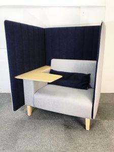 ゆったりとプライベートな空間で、仕事や休憩に使える1人用ソファ入荷しました!