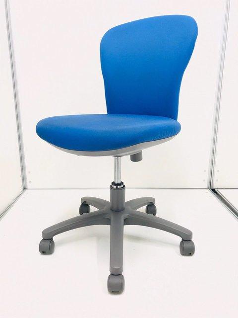 定番中の定番/おつとめ品/スレがあるため、特別価格 シンプルなデザインとしっかりとした座り心地が特徴 ◆コクヨ◆レグノ2
