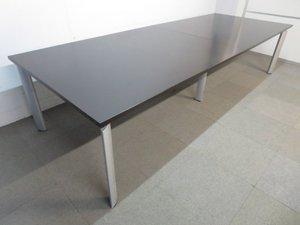 【ハイグレードなデザイン!】■オカムラ製 会議用テーブル W3200mm【お値下げ品】