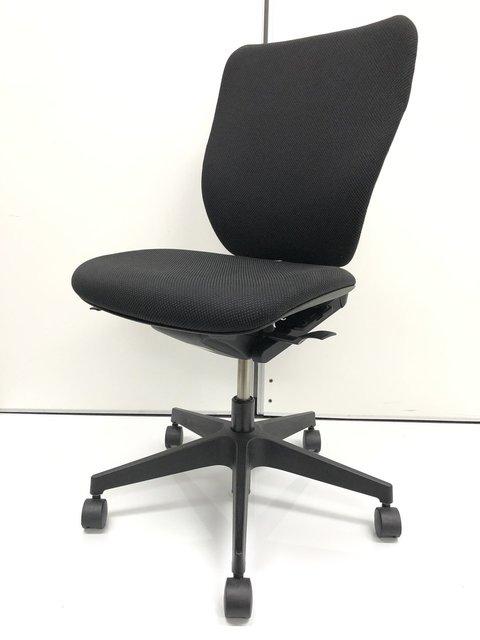 【プラオ】【使いやすさ・座りやすさを求めたチェア】【シンプルでどのオフィスにも馴染みます】