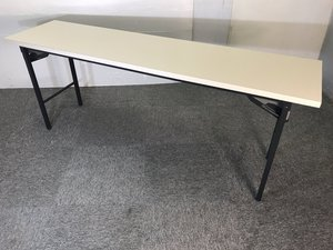 【福岡倉庫在庫】何かと便利な折り畳みテーブル