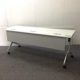 【ロット入荷!】オフィスや学校にもオススメのスタックテーブルが入荷致しました!