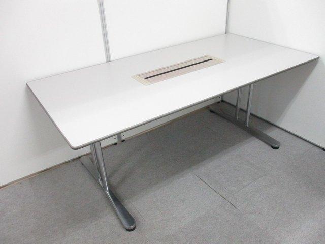 【パソコンを使用する会議に便利!】■オカムラ製 OA会議用テーブル W1800mm【配線ボックス付】