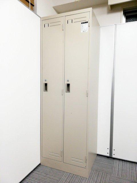 省スペースに設置可能な2人用ロッカー!収納スペース広い!増員をお考えの方いかがでしょうか!