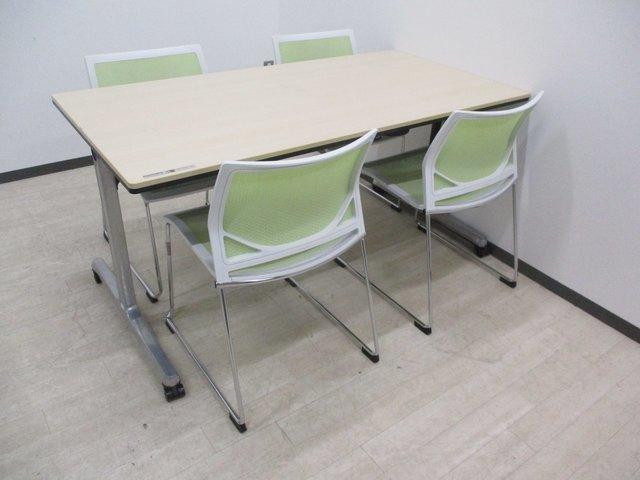【落ち着いた会議室作れます】グリーンとナチュラルのお洒落な組み合わせ!