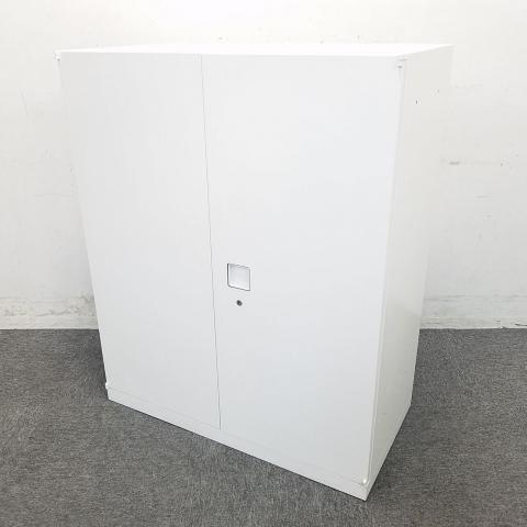 【人気カラー入荷】オカムラ製ホワイト両開き書庫入荷致しました! 中古 オフィス家具