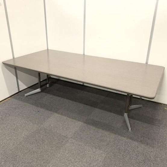 大型テーブルが限定1台入荷!!是非、会議室に1台いかがでしょうか!