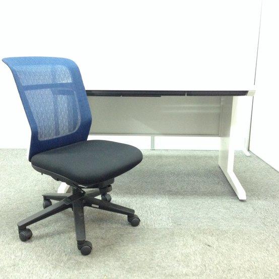 【デスクチェアセット商品!! お得!】デスクにピッタリの色のチェアとイトーキ製 CZR オフィスを明るく照らす鮮やかなホワイトカラーデスク