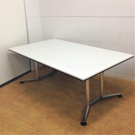 特殊サイズ|4~6名様推奨|ホワイトが映える会議テーブル|オカムラ ラティオ