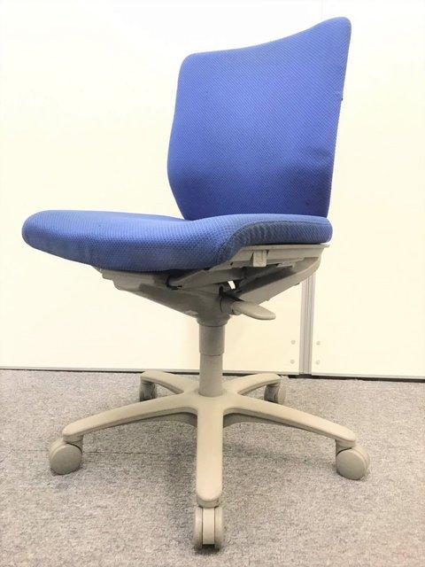 【2脚入荷】OAチェア肘無し|オカムラ(okmaura)製|アドフィット|座面・背もたれ ともにブルー