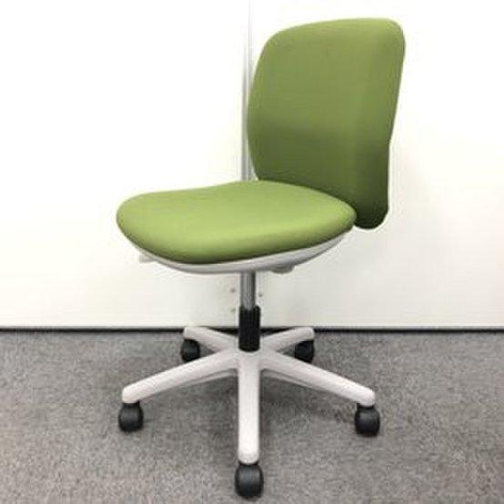 【大量入荷】ウチダ製定番チェア!深みのあるグリーンで癒しのオフィスを!