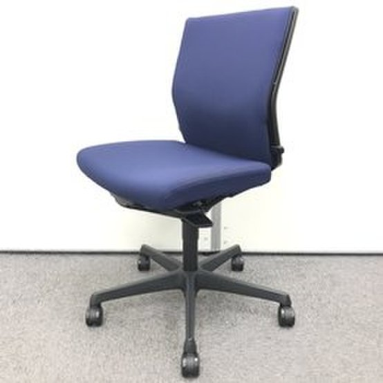 【大量入荷!!】厚めのクッションで良好な座り心地を☆人気のブルー♪