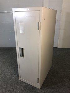 ◆レア 限定1台◆~ナイキ製1人用ロッカー(スリムタイプ)~空いた隙間に収納出来ます!追加で一人分もロッカーが必要となった方にお勧めです!