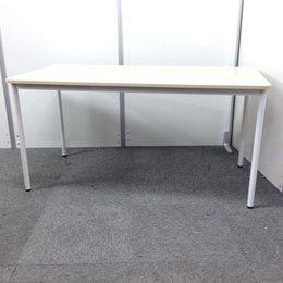 【状態良好! 商談テーブルや作業台にもあれば便利です!】明るいナチュラル色の為どんな空間にも合わせやすいです!