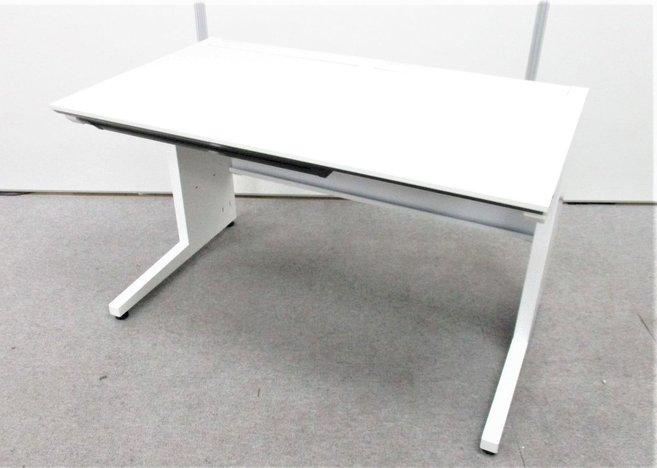 配線カバーがあるので床、机の上を綺麗にできます!