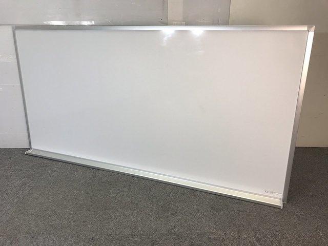 ◆限定1台◆~コクヨ製ホワイトボード(片面無地)~国内メーカー品で使用も安心!※壁掛け用金具がついていません!