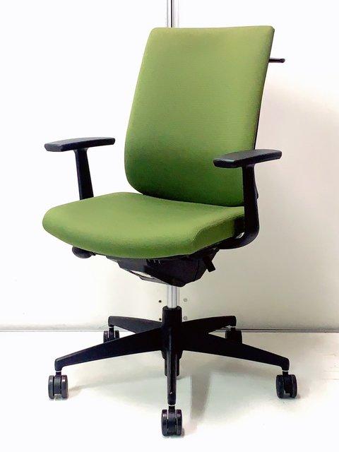 【癒される自然色でオフィスに落ち着きを!】コクヨ製 ウィザード2 ハンガー付き・肘付きなのに安い!!抹茶グリーン色が新しい!