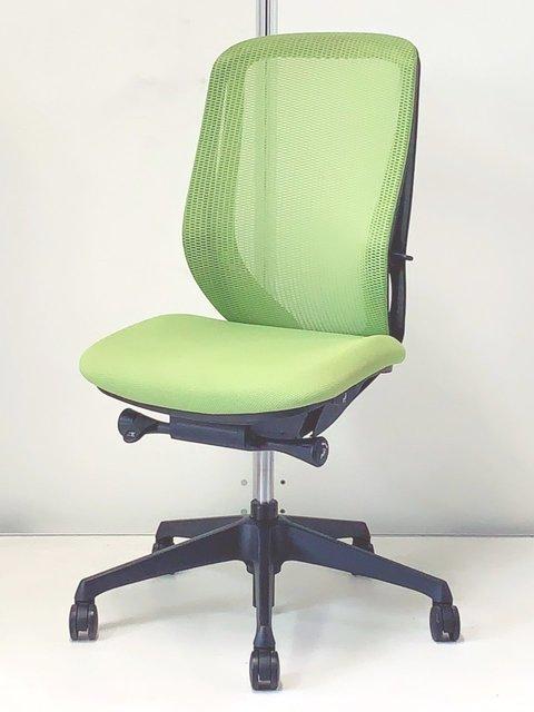 【限定3脚!】前傾チルト機能搭載!オカムラ製 シルフィ メッシュタイプ! どんなオフィスにも合うライトグリーン色!