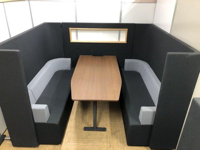 【グッドデザイン賞受賞で快適な空間を演出】エントランスにピッタリの商談セット【工事不要で簡易個室を設けられます】