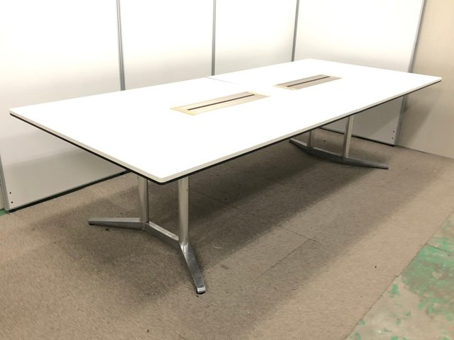 【希少品】【大型高級テーブルで円滑なコミュニケーションを!】オカムラ/ラティオ/ホワイト
