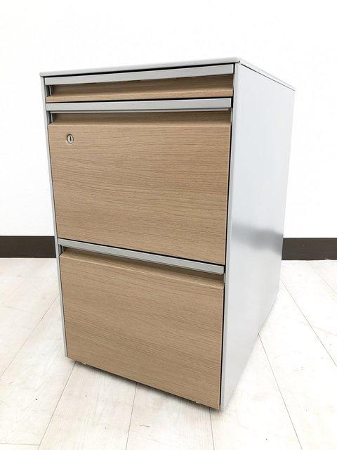 【今流行り!】大木を感じる木目調オフィス家具!机の下に入れて収納にするも良し、置台にするも良しの便利屋!