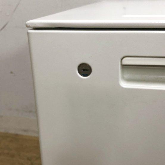 小物収納が無い分、A4書類の保管に特化した2段デスクインワゴン!!中古品ですが鍵も付属しますので、施錠管理もばっちり!!                         GTワゴン                                      中古