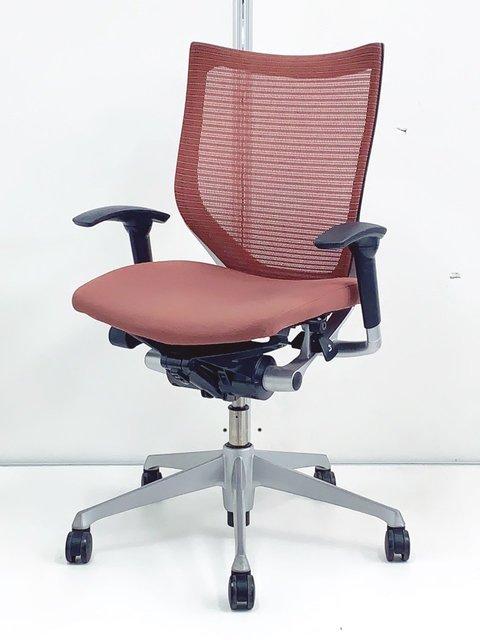 レアなブラウンカラー入荷!オカムラ製 バロン(Baron)自然な座りで快適なオフィス空間を!