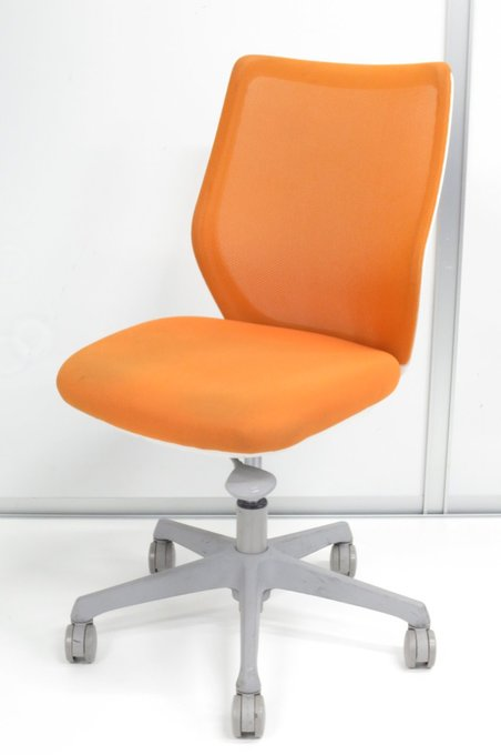 【メッシュで快適なお仕事を!】 お部屋の印象を明るくするオレンジ! 座圧を分散する異硬度クッションの人気チェア!