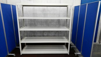 D600の中古ラックが8台入荷しました!① 天地5段 耐荷重:段/150kg ボルトレスなので組立も簡単! ※マテハン本舗の中古商品は、千葉県柏市に在庫がございます。