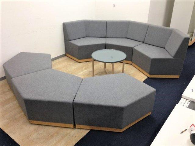 【エントランスにピッタリ】組み換え自由なソファとテーブルのセット