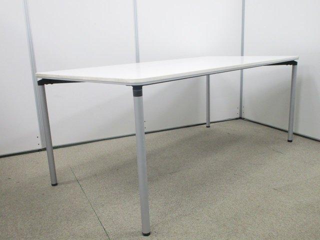 【1台限定】4~6名で使用できるW1800テーブル【ホワイトで清潔感のあるオフィスに】