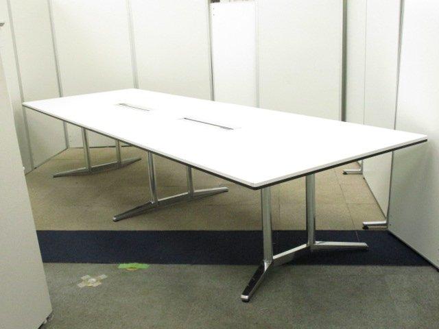 【貴重な会議テーブルが入荷!!】高級会議テーブルの代名詞!デザイン性・高いクオリティの大型テーブルです!!【ワゴンチェア別売】