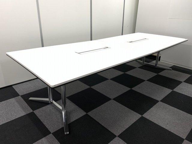 【オカムラの最高峰テーブル】 良質な会議は上質な家具から! 希少品が限定1台の入荷!