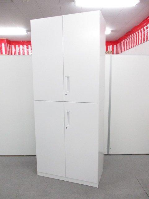 コクヨ製の上下両開き書庫セット 清潔感溢れるホワイトカラーになります!